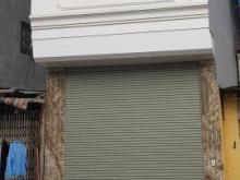 Cho thuê cửa hàng mặt phố Duy Tân 60m2, 1 tầng, mặt tiền 4m, 30tr/th