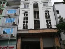 Cần cho thuê mặt bằng kinh doanh tại phố Vũ Tông Phan, Thanh Xuân giá 130tr/tháng