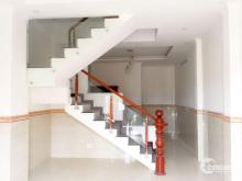 • DT: 4.5m x 12m, CN đủ 54m2 • Cấu trúc: 1 trệt +2 lầu+ sân thượng • Gồm : 4 phòng ngủ, 4Wc. • Nhà thiết kế hiện đại, sang trọng, đầy đủ tiện nghi. Nhà mới vào