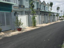cần bán GẤP căn nhà mới xây: mt QL50, shr, lh 093.88.77.304