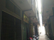 Cần bán nhà ở Nguyễn Tuân, DT 33m, 4 tầng, giá 3.2 tỷ.