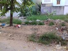 Bán đất Nguyễn Văn Quá gần sân banh cây Sộp.  500m đã có sổ hồng riêng, DT: 4x16 SHR