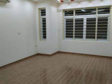 Nhà mới về ở luôn - Bán nhà ở Đê La Thành 30m2 x 5 tầng, mt 3,45m giá chỉ 3,6 tỷ