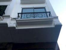 Bán gấp nhà ngõ 14 Mễ Trì hạ 49m2 5 tầng 5m mặt tiền nhà cực đẹp, mua nhà tặng nội thất xịn nhập khẩu, giá 5 tỷ.