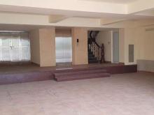 Cho thuê nhà phố Đê La Thành làm trưng bày nội thất, lớp học, VP 52tr