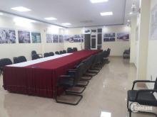 Cho thuê văn phòng mặt phố Mại Dịch, mặt tiền 6m diện tích 129m, giá rẻ