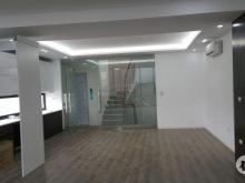 Bán nhà phố Ngọc Hà , DT 55m2 , MT 3,8m xây 5 tầng rưỡi đẹp long lanh, giá bán 6,2 tỷ