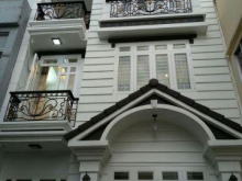 Cần bán gấp căn nhà mặt tiền ven sông SHR 1 trệt 2 lầu