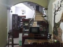 Chính chủ bán nhà gần mặt phố đường Láng 31x4T, giá 2.9