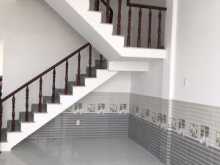 Nhà lầu đường Đoàn Nguyễn Tuấn, giá 1 tỷ 7, sổ hồng riêng