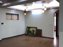 Bán căn hộ chung cư căn góc tòa nhà K4 KĐT Việt Hưng, Long Biên. S: 75m2. Giá: 1,15 tỷ. Lh: 097.190.2576