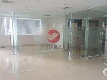 Văn phòng cho thuê quận 5 dt 160m2 MT Nguyển Biểu giá 74tr LH 0933725535 Phong