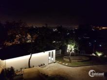 Bán biệt thự nghỉ dưỡng vị trí đẹp, view đẹp, ngay trung tâm, giá tốt