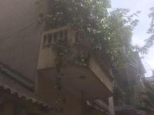 Cần bán căn nhà ở Lạc Trung, dt 26m2, xây 3,5 tầng, mt 3,3m, giá 2,4 tỷ.