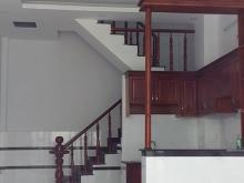 Nhà mới xây 2 lầu 1 trệt, giá hợp lý, chố ngay trong tuần