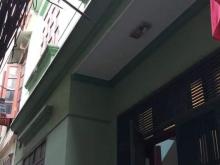 Bán nhà phố Trương Định, dt30m, giá 1,8 tỷ.