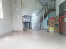 Bán nhà 28 m2, quận Tân Bình, đường Nguyễn Thị Nhỏ, giá 3,3 tỷ.