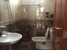 Cho thuê nhà hẻm xe oto, Lầu sàn gỗ, nhà đẹp, 1 xẹt,  đường Võ Văn Kiệt, Phường Cầu Kho, Quận 1