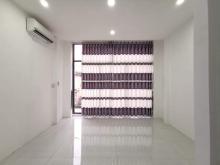 Chính chủ bán nhà HXH Bình Thạnh, DT gần 30m2, tặng nội thất xịn giá chỉ 2.7 Tỷ. LH: 0906325069