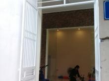 Bán nhà mặt ngõ 111 Giáp Bát, Kim Đồng, Hoàng Mai, diện tích 32m2x5 tầng, giá 2,6tỷ