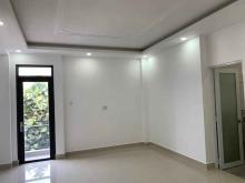Cần tiền bán gấp nhà góc Nguyễn Tri Phương Quận 10, diện tích 35m2