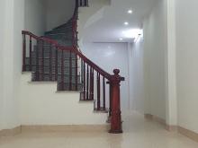 Bán nhà Bà Triệu, ngay trường cấp 3 Lê Lợi, 36m2, 4 tầng, taxi qua nhà, giá 2.75 tỷ.