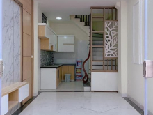 Bán nhà đẹp PL mới xây ngõ 896 Nguyễn Khoái 35m2 x 5 tầng giá 3,1 tỷ