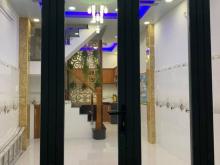 Chính chủ bán nhà Nguyễn Hữu Tiến, 39m2. giá chỉ hơn 3 tỷ, tặng nội thất.