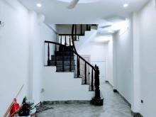 Bán gấp trả nợ nhà Lĩnh Nam 6PN-40m2- Cho thuê 12tr/ tháng- Nhà còn mới- Tự xây- LH:0886667318