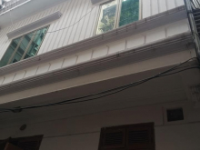 Bán nhà 3 tầng Nguyễn Lương Bằng DTMB 28m2 mặt tiên 5m nhà 2 mặt thoáng.Sổ đỏ vuông 2.2 tỷ
