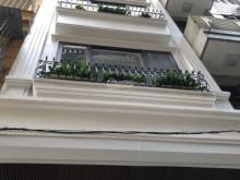 Bán nhà phố Cát Linh , trung tâm Đống Đa 36M*4T*MT4M giá 8,9 tỷ