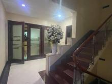 Bán tòa văn phòng, Vị trí VIP, Ô tô tránh, Kinh doanh, Thang máy– Tây Hồ