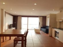 Cho thuê căn hộ dịch vụ tại Yên Phụ, Tây Hồ, 100m2, 2PN, view hồ, đầy đủ nội thất